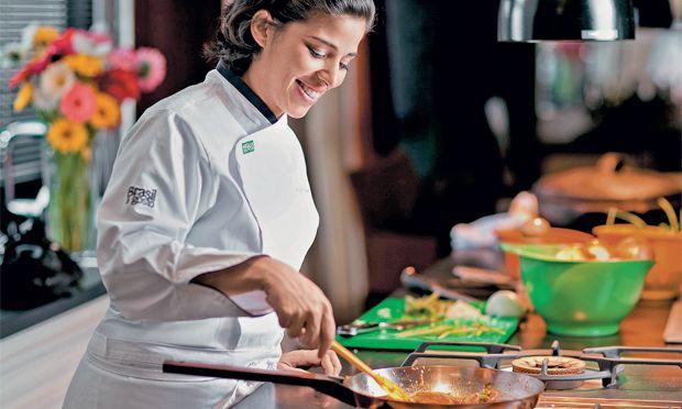 """""""O brasileiro conhece mais a gastronomia europeia que a própria culinária"""", diz…"""