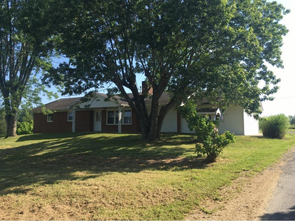135 Fox Mays Rd, Greeneville, TN 37745 Brick ranch, Home