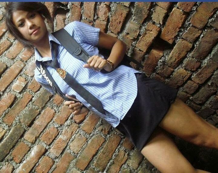 Hot And Sexy Nepali School Girl