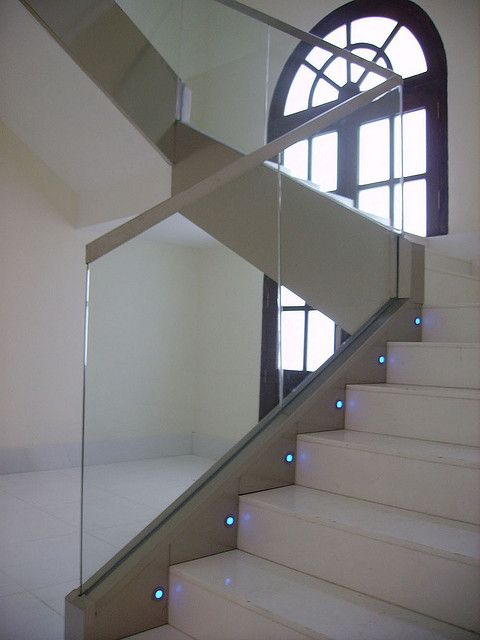Barandilla de cristal by vidreglass, via Flickr escalera