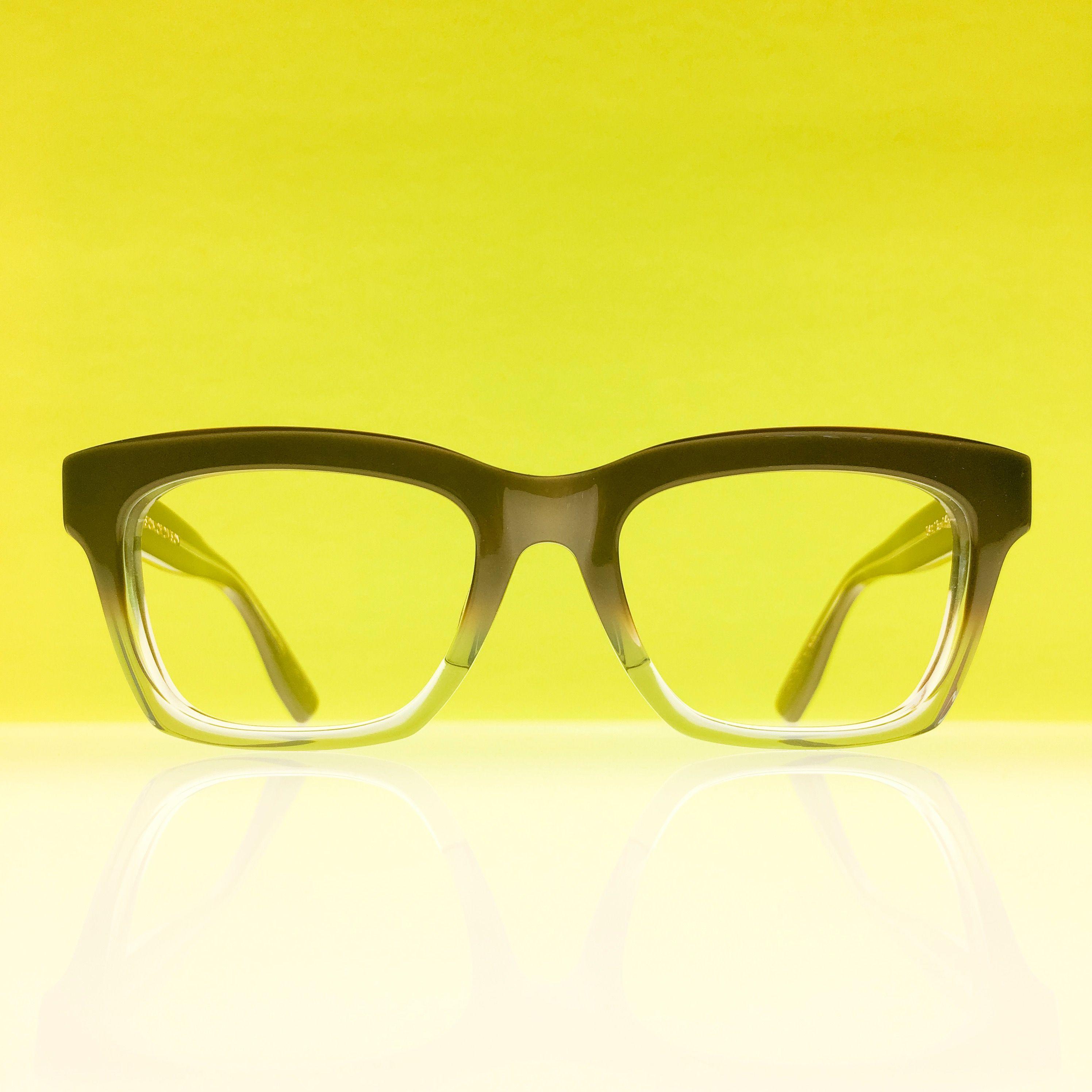 Kaneko Optical Dropping Serious Heat As Usual Model Vod 7 Is A Pearlescent Warm Grey It S Bulky Form Mediated By A G Eyewear Frames Luxury Eyewear Eyewear