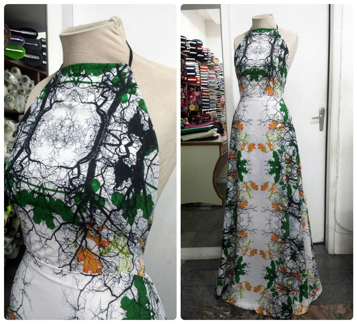 9b36952ab Vestido de crepe chanel, com frente única e a saia cortada no viés. #vestido  #dress #vies #crepe