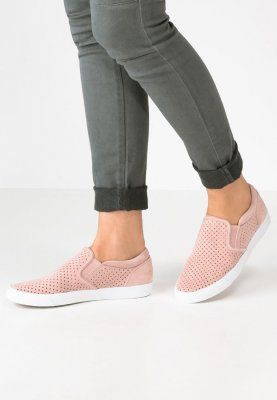 Clarks GLOVE PUPPET Slip ons dusty pink for £45.00 (04