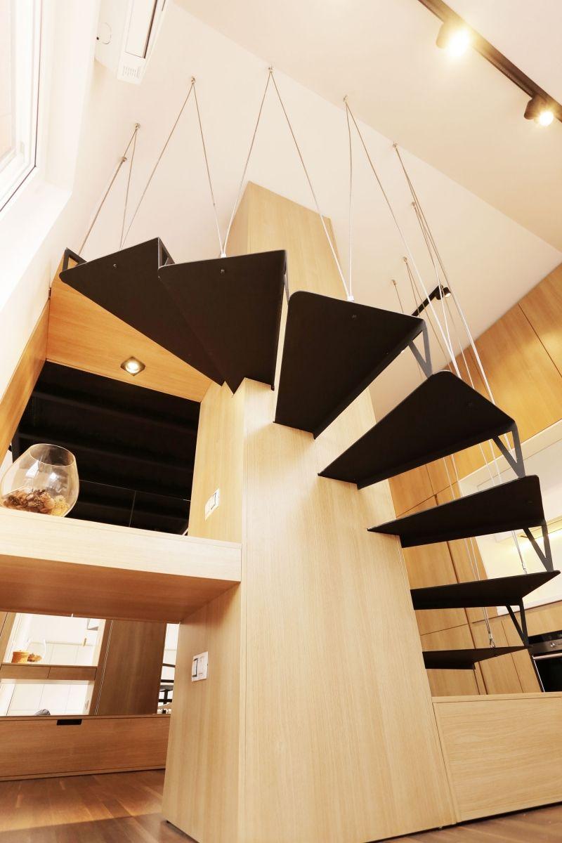 Spiraltreppe als Highlight in der kleinen Wohnung   Inneneinrichtung ...
