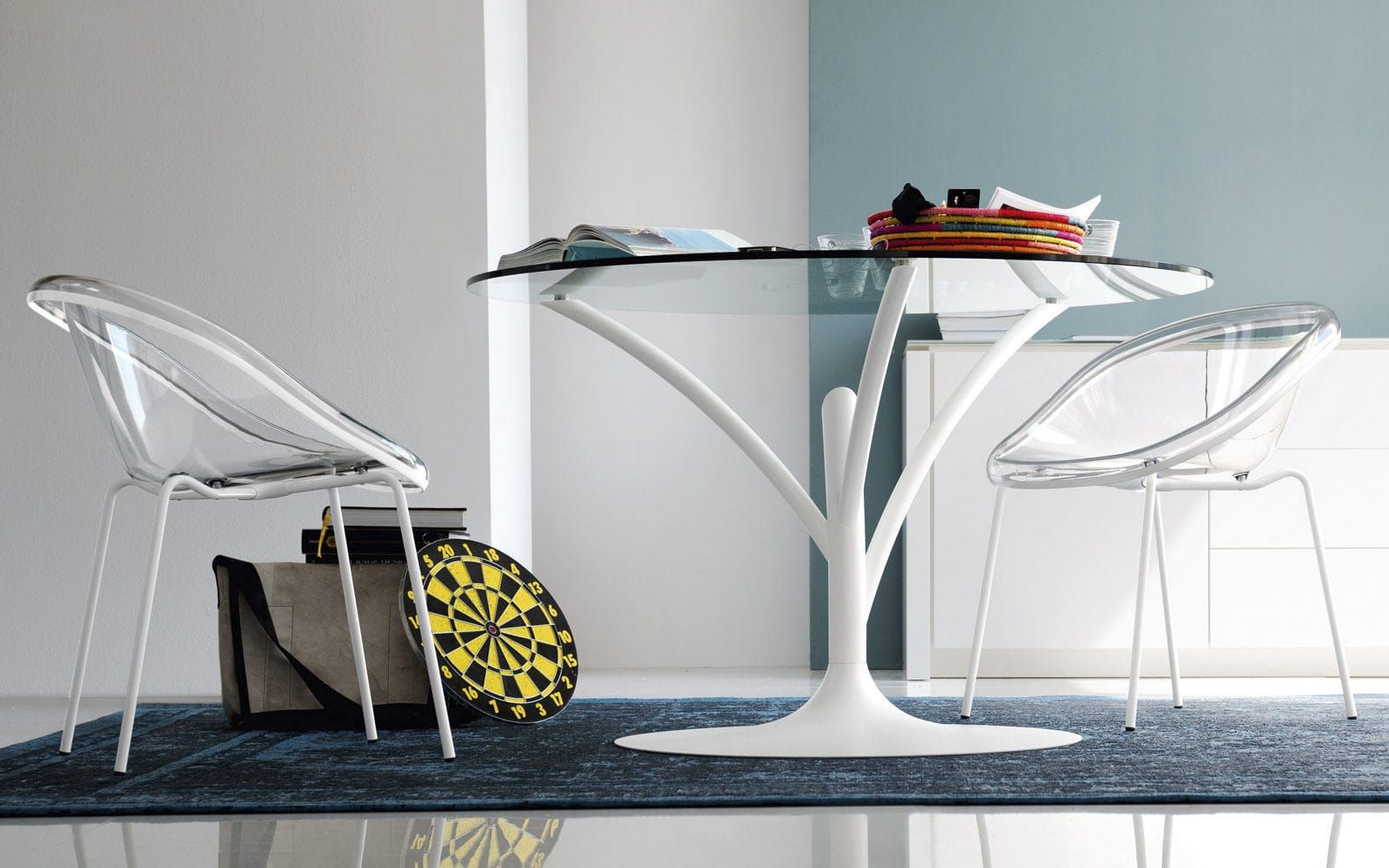 Round Glass Table From A Short Trunk That Grows Long Curved Branches That Create Th Modern Furniture Drawing Room Furniture All Modern Furniture