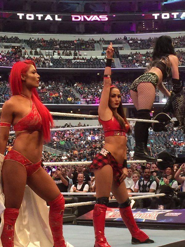 8d71e048bd2a Brie Bella at WrestleMania 32