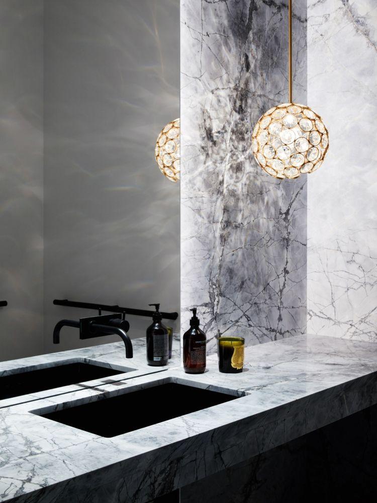 modernes badezimmer design spiegelwand marmor schwarze ...