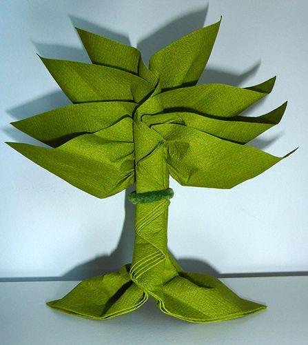 Pliage de serviette de table en forme de palmier ou arbre de vie r aliser palmier ou arbre avec - Pliage serviette bonbon ...