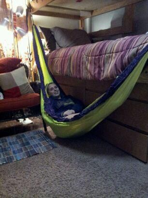 How You Hammock In A College Dorm Room In The Illinois