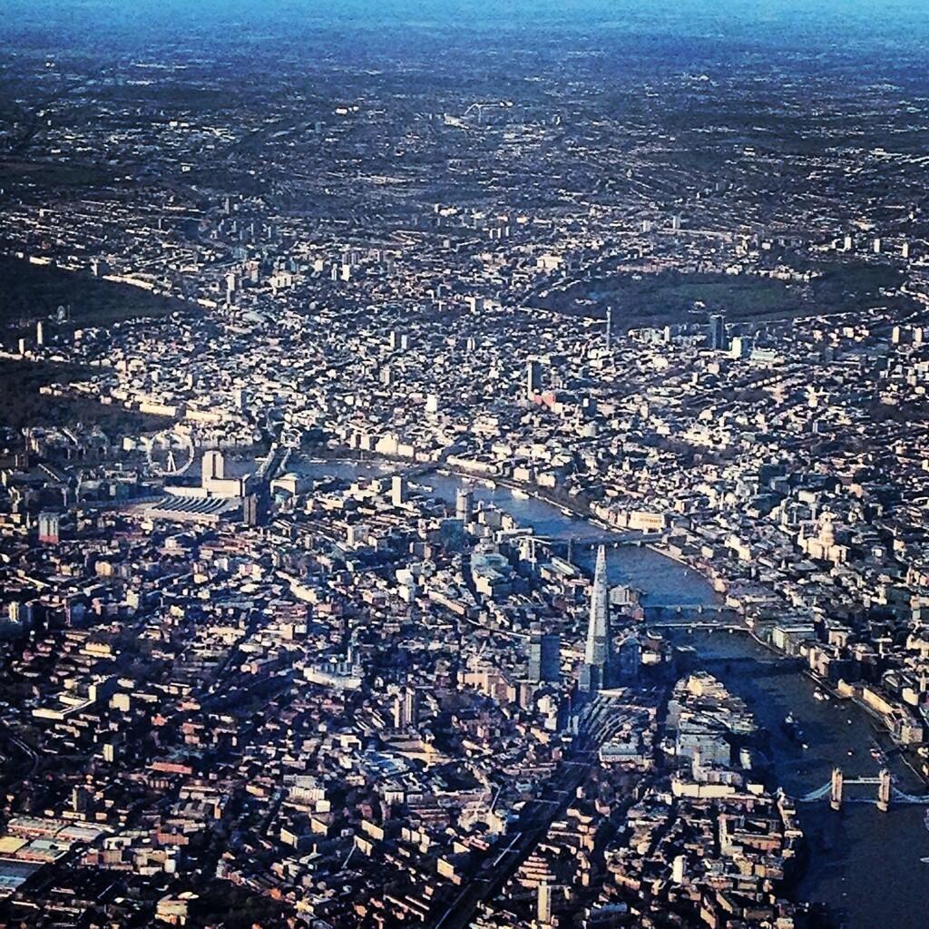 Atemberaubend - London aus der Luft. Photo via Twitter / boyajian. #QatarAirways #travel #London | Jetzt buchen: https://www.lyoness.com/at/stores/de-at/119001541-qatar-airways