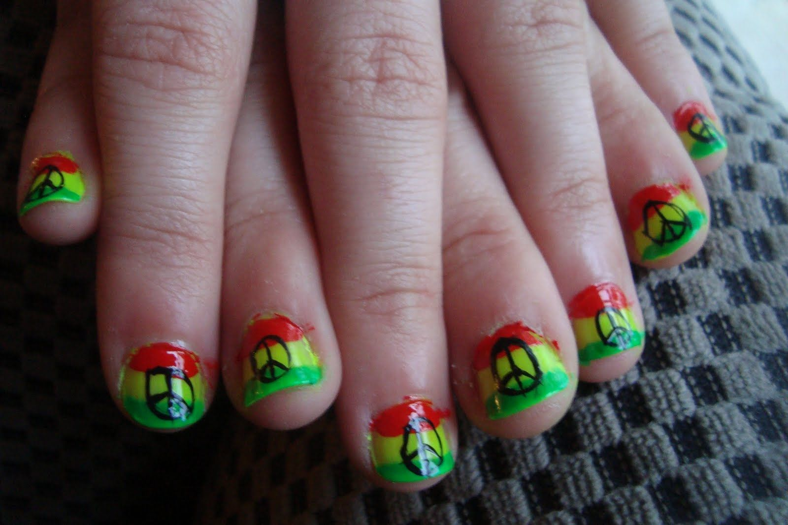 peace sign nails | nails | Pinterest | Peace sign nails, Nail stuff ...