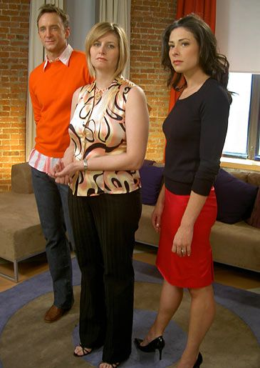 Stacy London Fashion Lookbook What Not To Wear Tlc Coral Skirt And Black Stacy London London Outfit Fashion