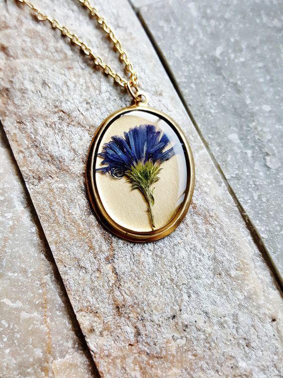 Pressed Flower Necklace Real Aster Flower Necklace Botanical Etsy Pressed Flower Necklace Necklace Flower Necklace