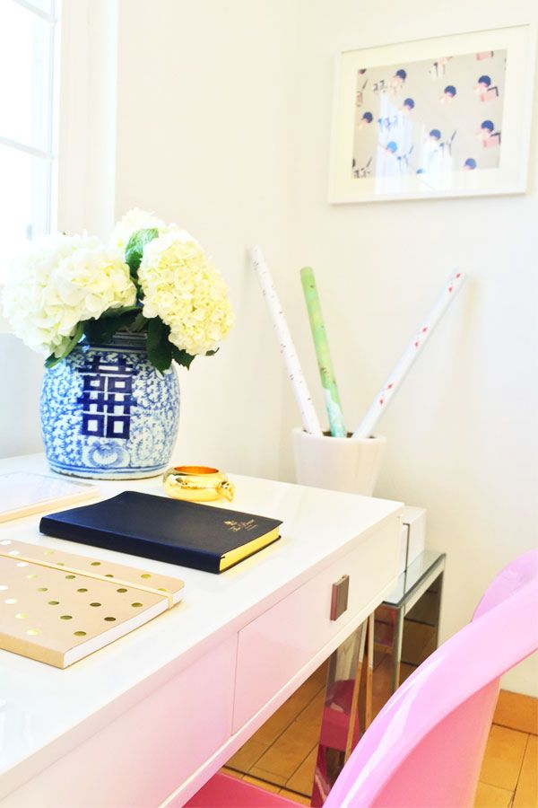 White desk, pink chair, blue and white porcelain, white hydrangeas