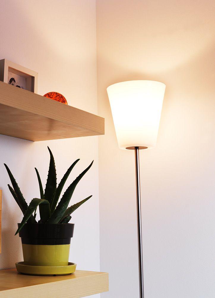 Si tu casa tiene techos altos apunta las luces hacia arriba para destacar la altura de esta - Lamparas para techos altos ...