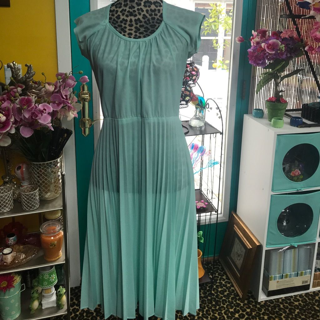 Tiffany blue vintage dress with a top to put over blue vintage