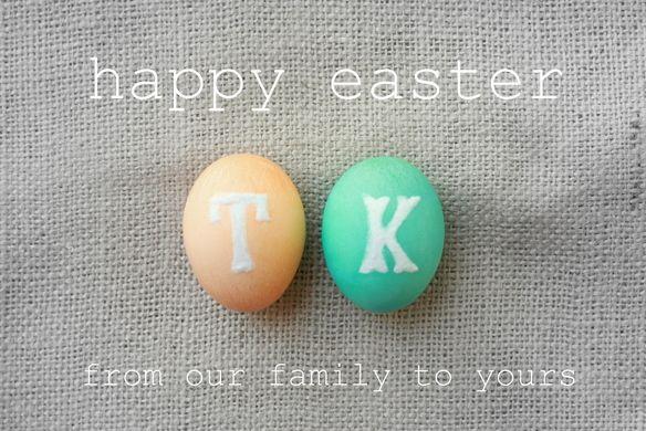 Ovos pintados com as letras do nome de cada um da família