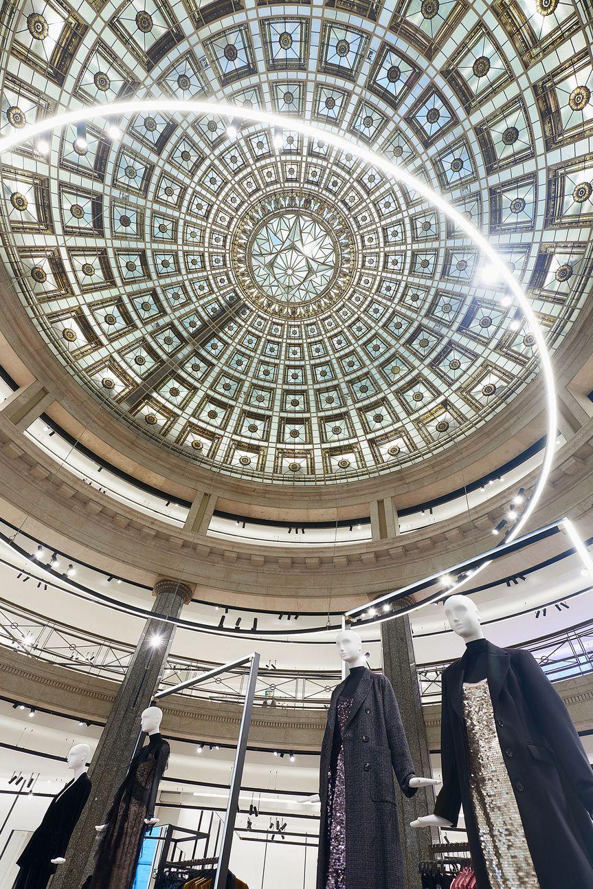 Los siete Zara más impresionantes del mundo.  Flagship  de Zara en  Barcelona. 67571c62566