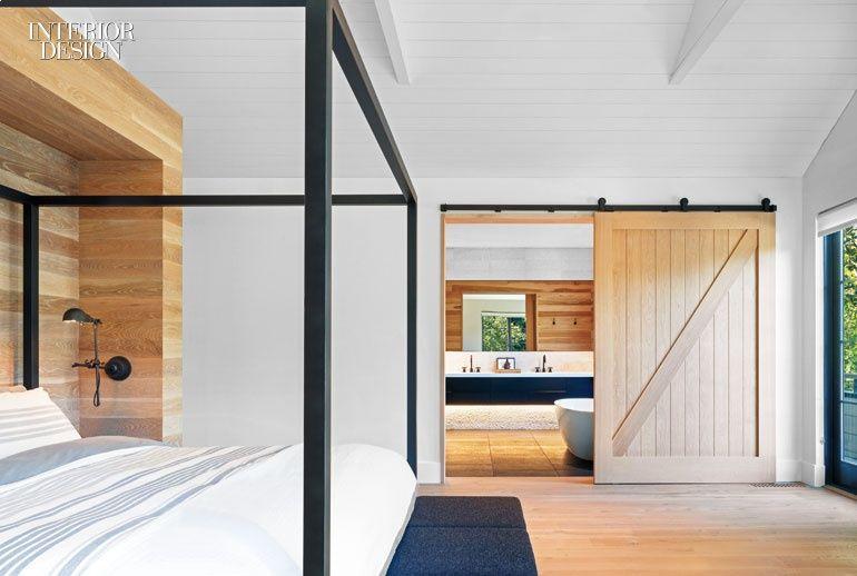 Mode Interior Designs And Ccs Architecture Infuse A Hamptons Retreat With West Coast Sensibilities Sliding Doors Interior Interior Design Magazine Residential Interior