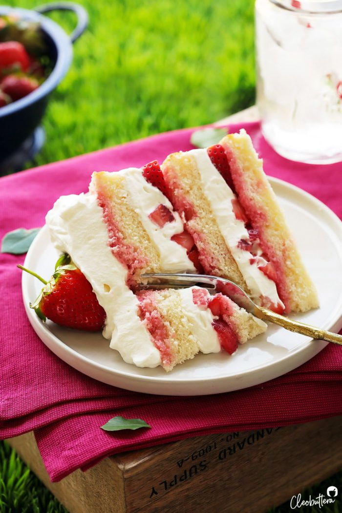 Strawberry Cream Cake   Cleobuttera