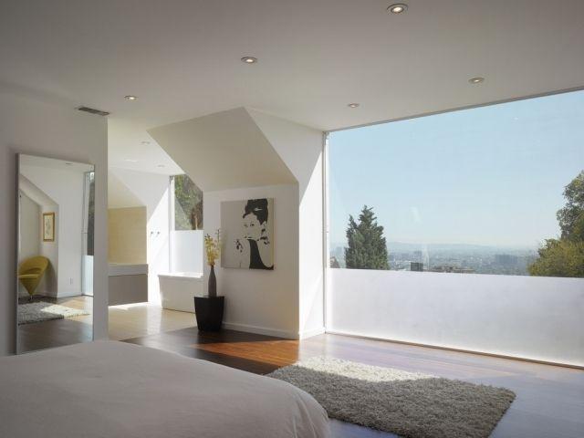 fensterfront schlafzimmer folie matt laminatboden weiße wände ...