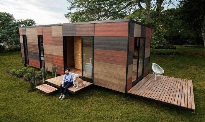 Cette Petite Maison, Livrée En Kit Se Monte Et Se Démonte Très