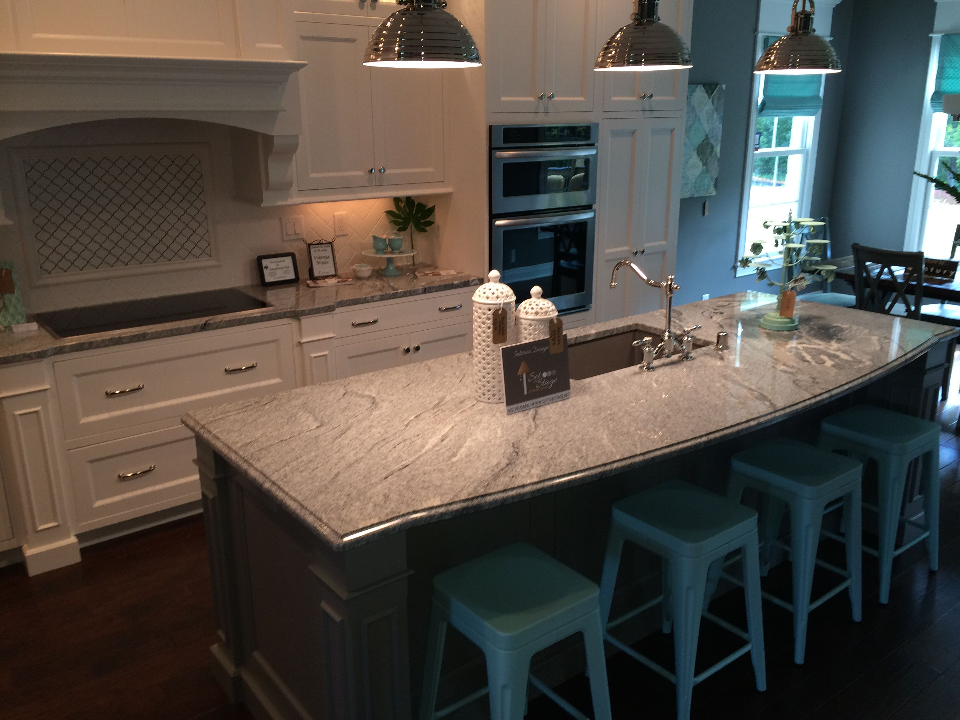 White Silver Granite Countertop : Vintage White/ Silver Cloud granite island with dark base and white ...