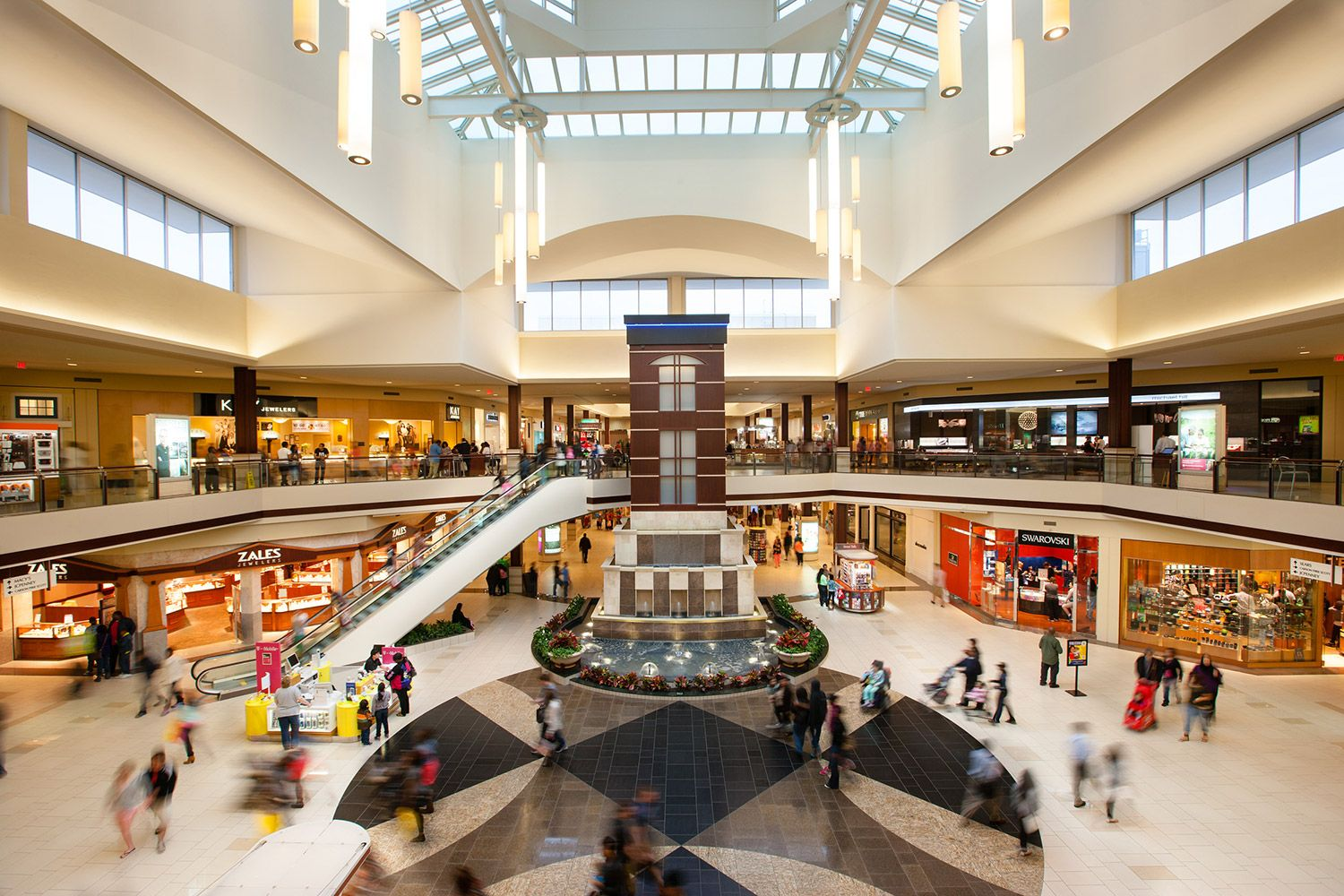 Cherrybrook Square Orland Square A Simon Mall Orland Park Il Mall Elderly Home Working In Retail