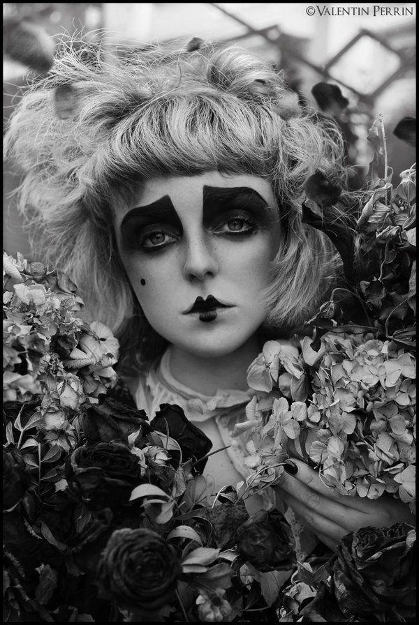 """Flower"" de Valentin Perrin : http://valentinperrin.wix.com/"