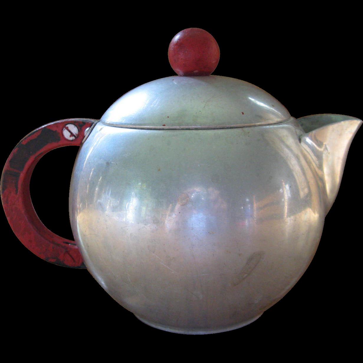 Mirro Aluminum Teapot Tea pots, Chocolate pots, Vintage