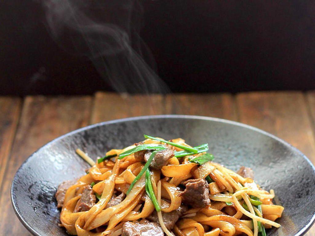 beef chow fun noodlespanfried ho fun  recipe in 2019