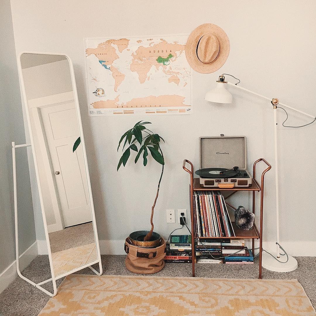 pin von haylee simmons auf h o m e pinterest schlafzimmer schlafzimmer ideen und wohnzimmer. Black Bedroom Furniture Sets. Home Design Ideas