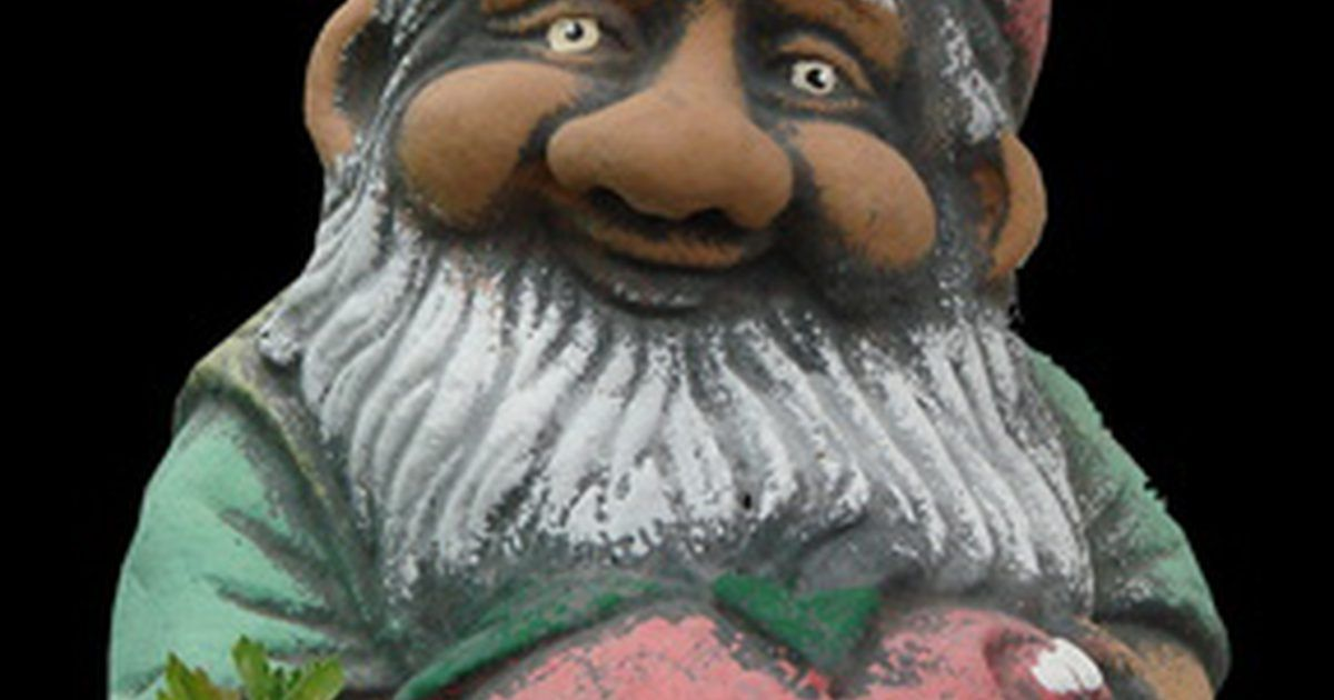 How to clean tom clark gnomes concrete statues painting