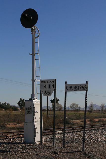 SP Start CTC searchlight signal in 2019 | Rail | Railroad tracks