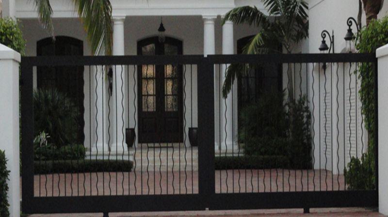 Dise o de rejas para puertas a medida en el color forma y - Puertas de metal para casas ...