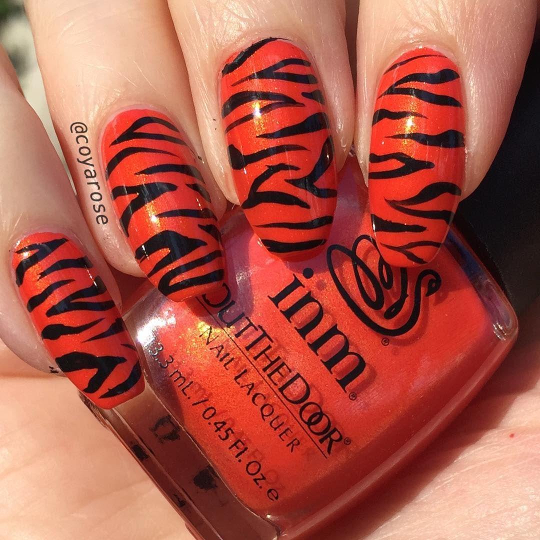 Nail Art Zebra Stripes: Neon Tiger Zebra Stripe Nails Nail Art