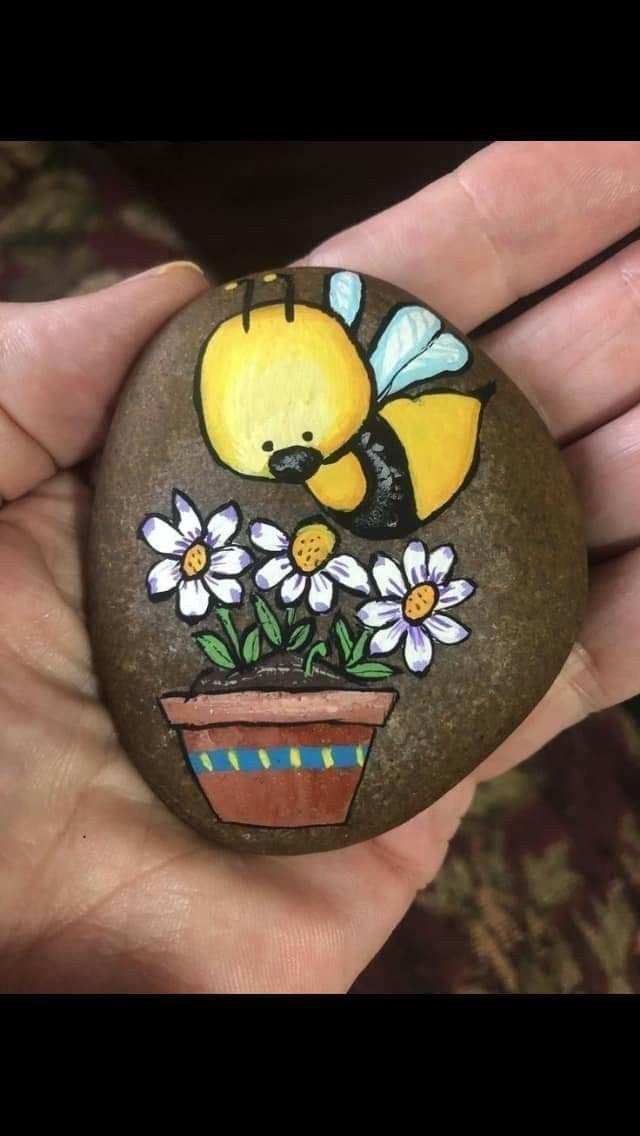 Arte En Piedras Pet Rocks Boyali Kayalar Elisi Fikirleri