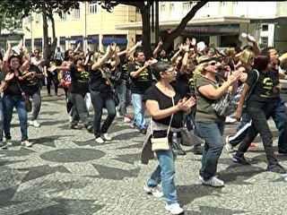 G1 - Professores protestam na Câmara do Rio à espera de votação nesta terça - notícias em Rio de Janeiro