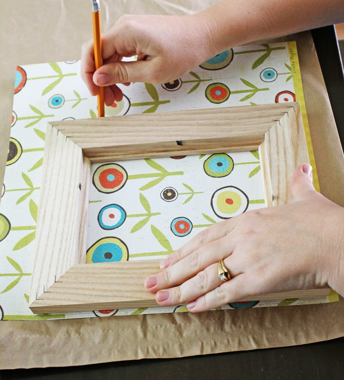 Using Paper to Decorate a Frame   Paper Crafting-Card Making ...
