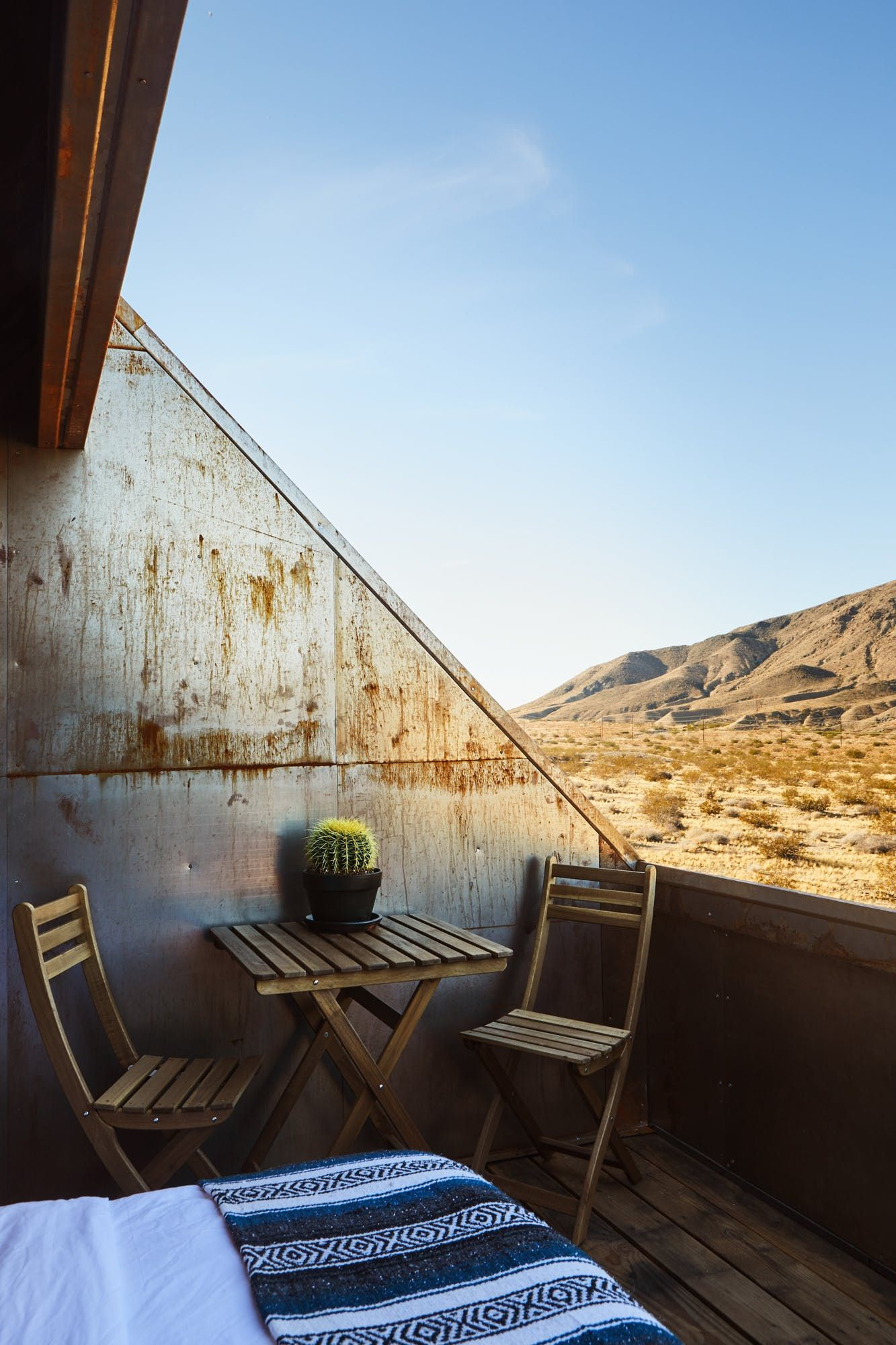 These Rugged Tiny Cabins Are Your Perfect Desert Vacation ...