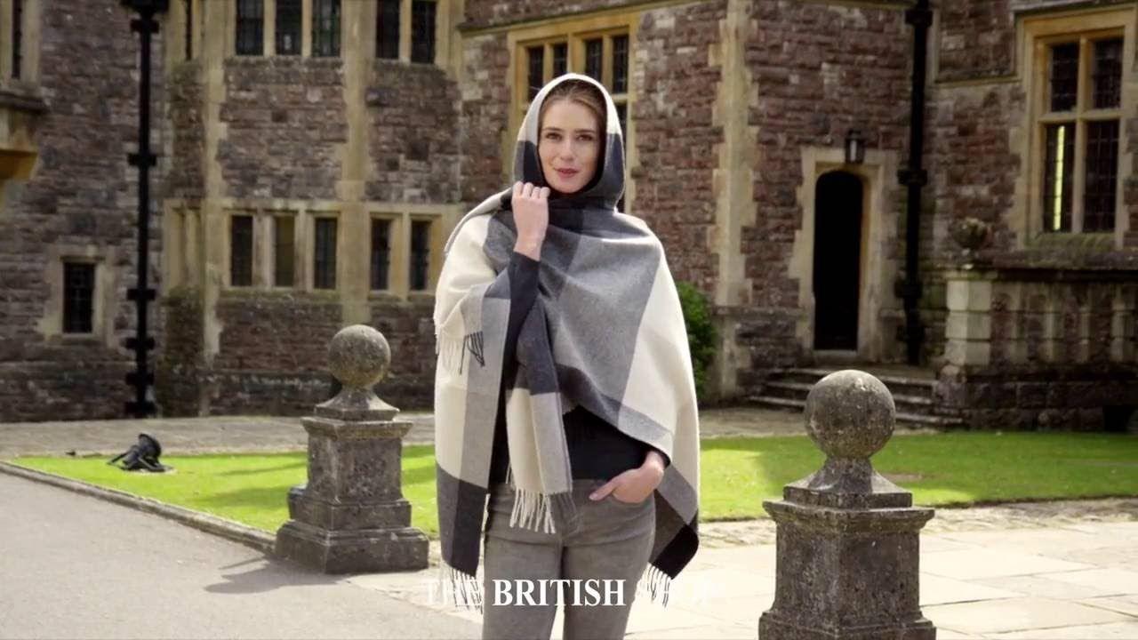 Einzigartige Jacken und Capes von den Britischen Inseln