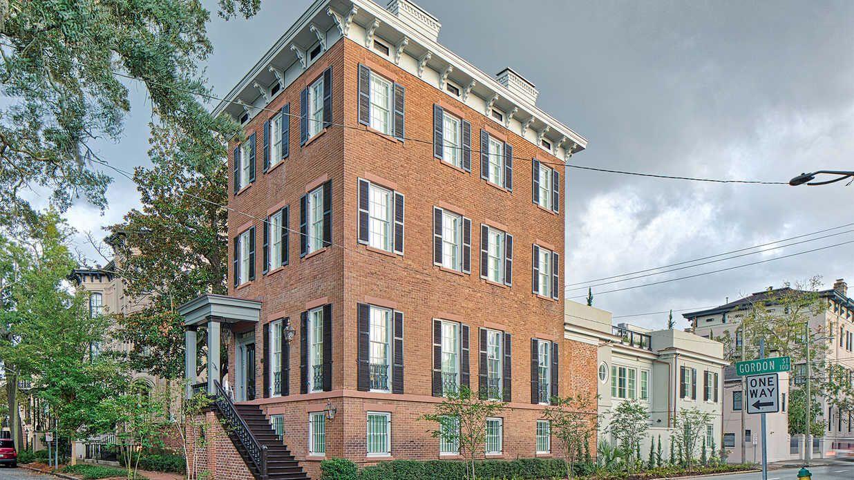 Historic Savannah Mansion S Flawless Renovation And Its Countless