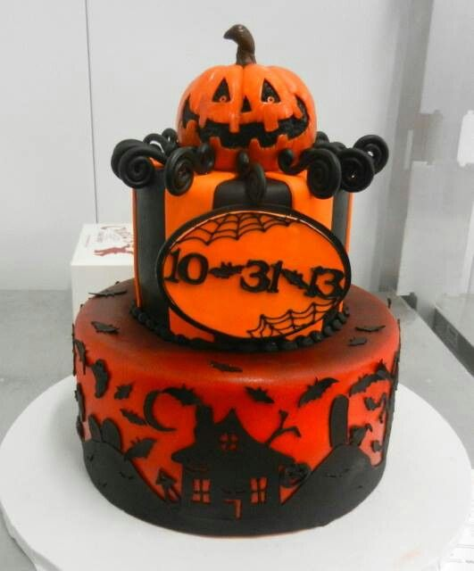 Halloween Cake on Halloween Facebook post 10/31/13 cakes