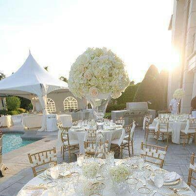 Gold and white wedding decor