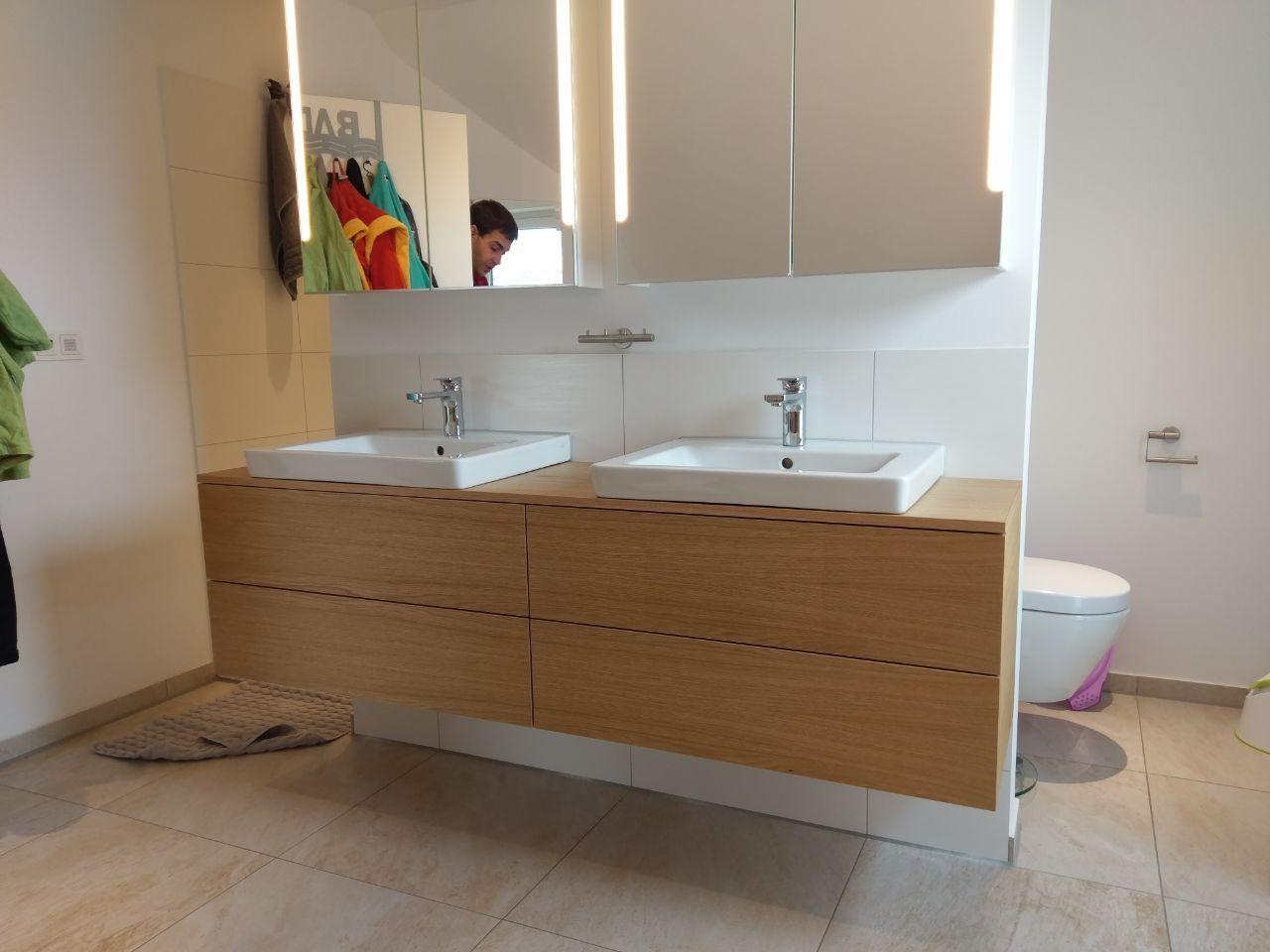 Zwei Waschbecken Wurden Mit Einem Unterschrank Erganzt 4 Grifflose