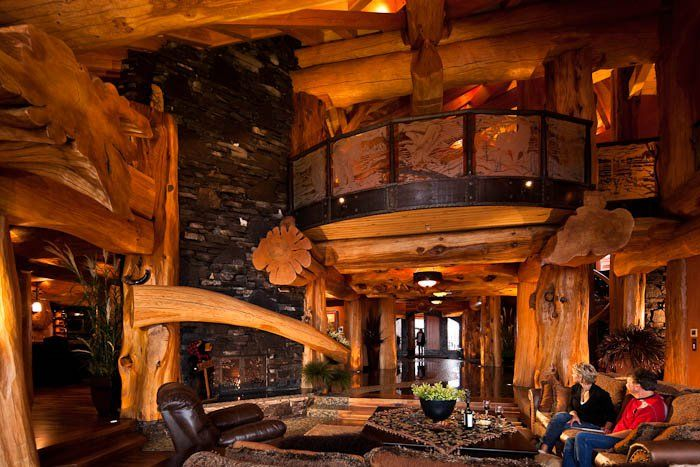 pioneer log homes of british columbia interior pinterest maison en rondins rondin et. Black Bedroom Furniture Sets. Home Design Ideas