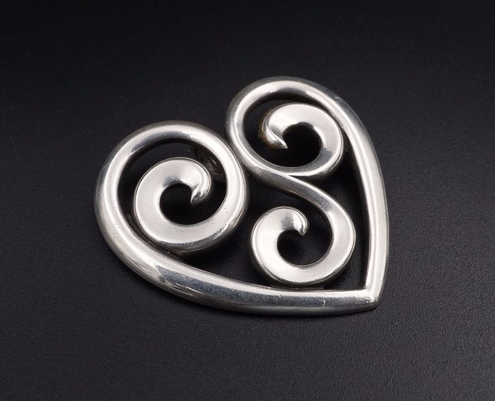 b84cef923 Rare Retired James Avery Sterling Silver XL Swirl Heart Pendant 2