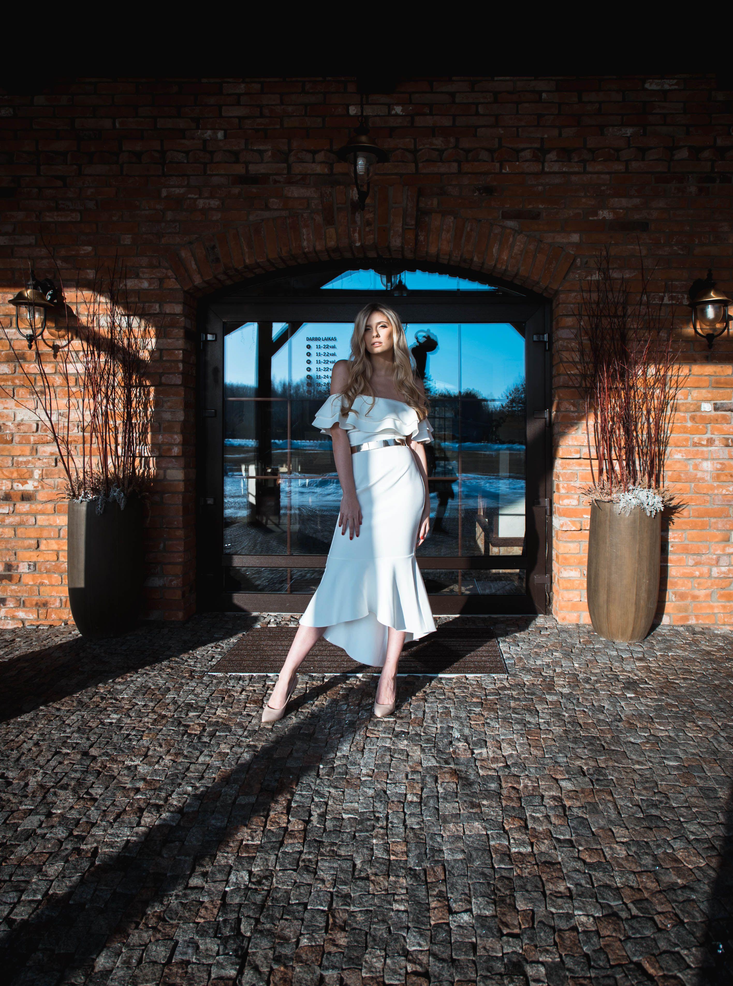 Photo of 12 Impressive Desert Fashion Pictures Woman Wearing White Dress #apparel #clothi…