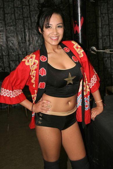 girls wrestling Asian