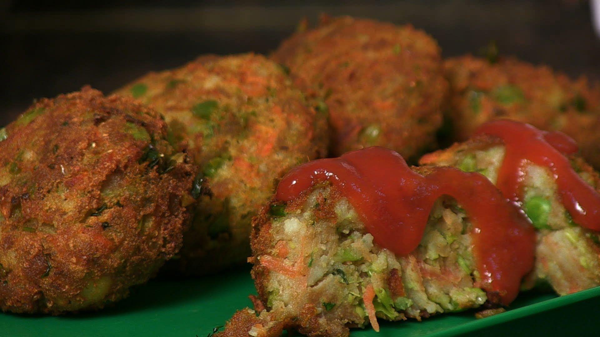 vegetable aloo tikki by seema indian snack recipes recipes aloo tikki recipe on hebbar s kitchen recipes aloo tikki id=39496